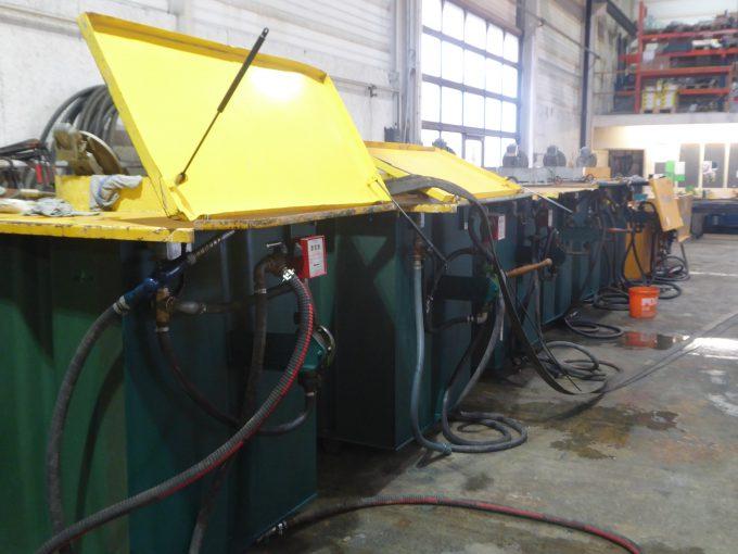 Sorgfältige Tankrevision und Unterhaltsarbeiten