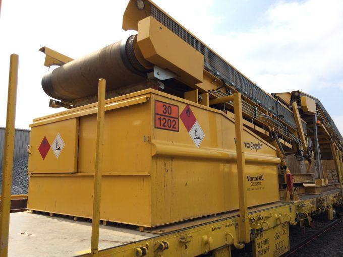 Ob integrierte Zapfanlage, extragrosses Volumen, für den Einsatz beim Gleisbau oder ausgestattet mit Podest, wir bauen Ihren Spezialtank.